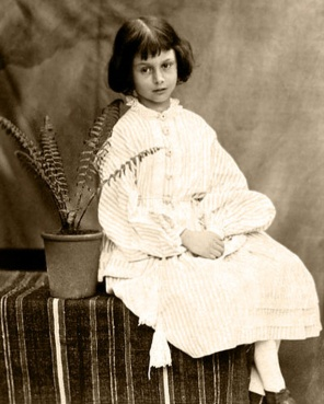 1 Person - Alice Liddell